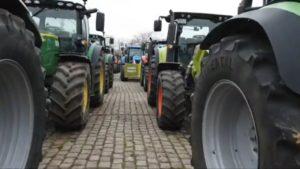 Treckerdemo Dortmund – Aufstellung In DORTMUND zum Traktor-Protest am Montag
